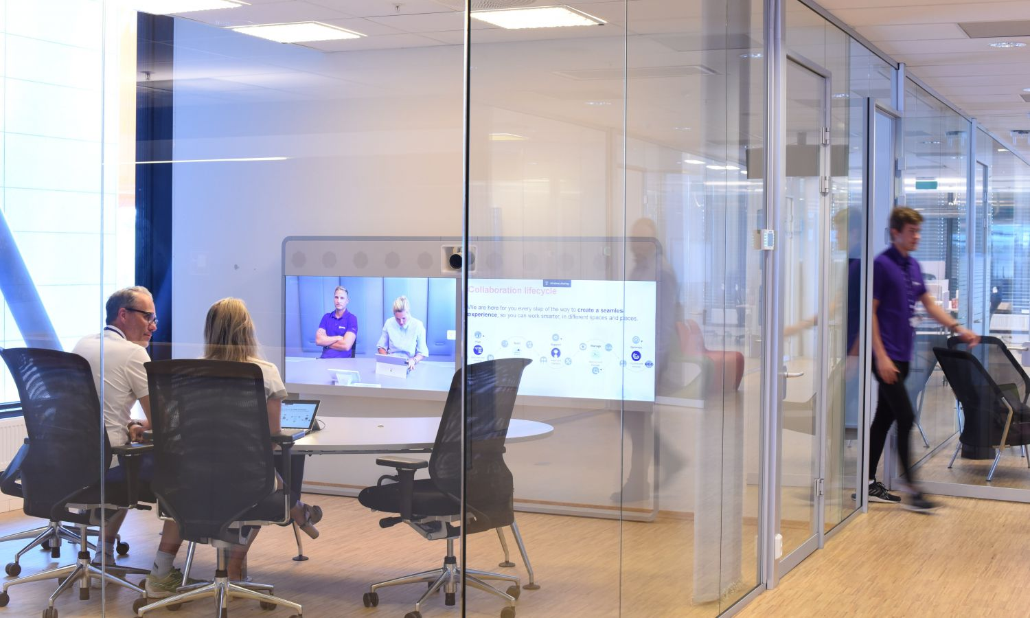 Connecting the modern workplace with video conferencing